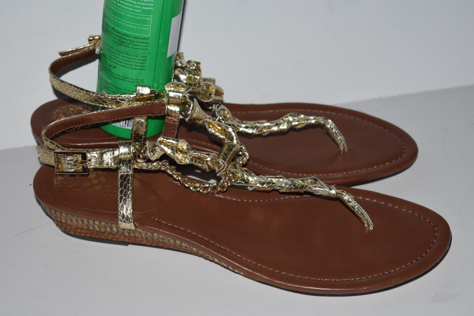 VINCE CAMUTO T-STRAP Thong SANDALS gold Size 11M