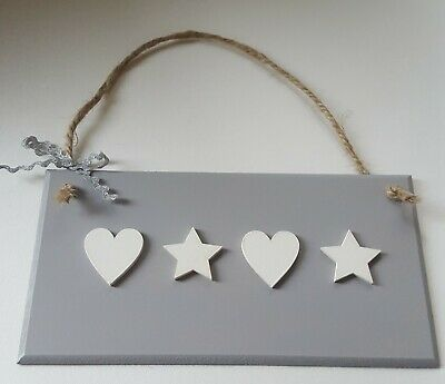 Hanging Wooden Wall Plaque Shabby Chic Grey with 4 White Hearts//Stars