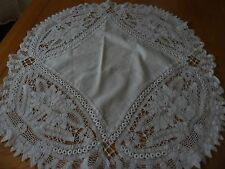 VINTAGE STYLE? ROUND TABLECLOTH 27 x 25 in WHITE COTTON LINEN PRETTY LACE LOOK