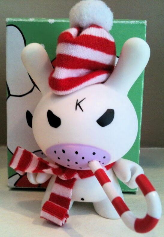 DUNNY 3  HOLIDAY FRANK KOZIK WHITE HUMBUG SIGNED KIDROBOT TOY CHRISTMAS FIGURE