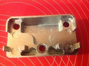 MACO 96340 Sicherheits-Schließblech Pilzkopf inkl 3 Schrauben Schließstück NEU