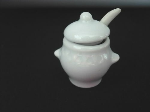 Ceramic White Soup Terrain /& Ladle Dollhouse Miniatures