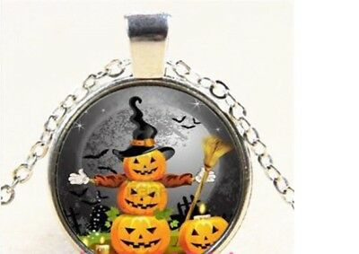 SILVER PLATED BLACK CAT AND PUMPKIN HALLOWEEN VINTAGE LOOKING PENDANT
