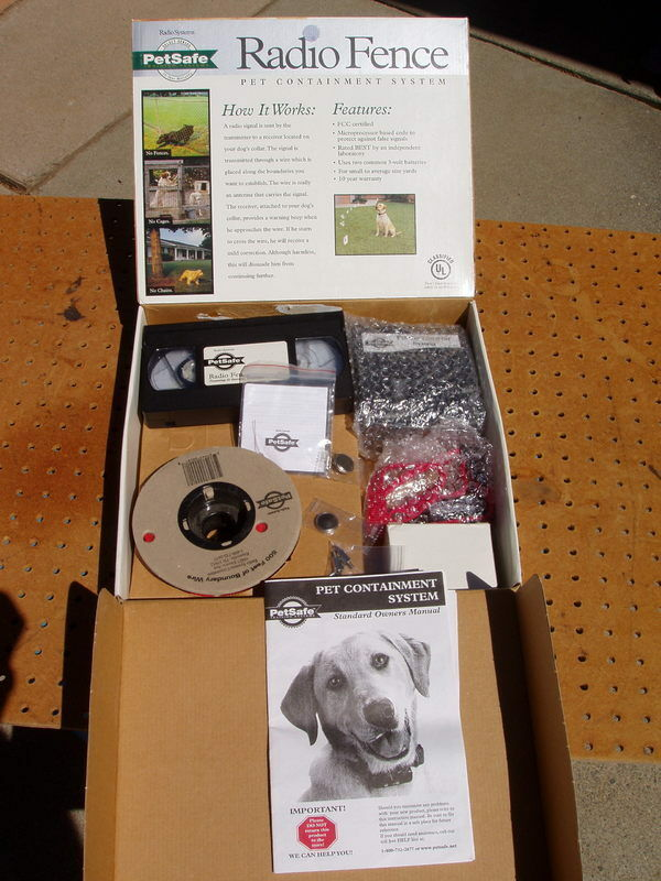 PETSAFE RF-3004 RADIO FENCE PET CONTAINMENT SYSTEM SET TRAINING NEVER USED NEW