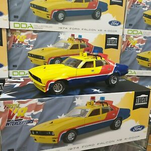 1-18-Yellow-Police-MFP-Ford-XB-Falcon-1st-of-the-V8-Interceptors-Mad-Max-Model