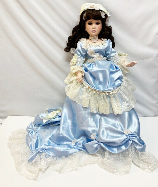 Effenbee Christine blu Gown Musical 20  Large Porcelain Numberosso Doll