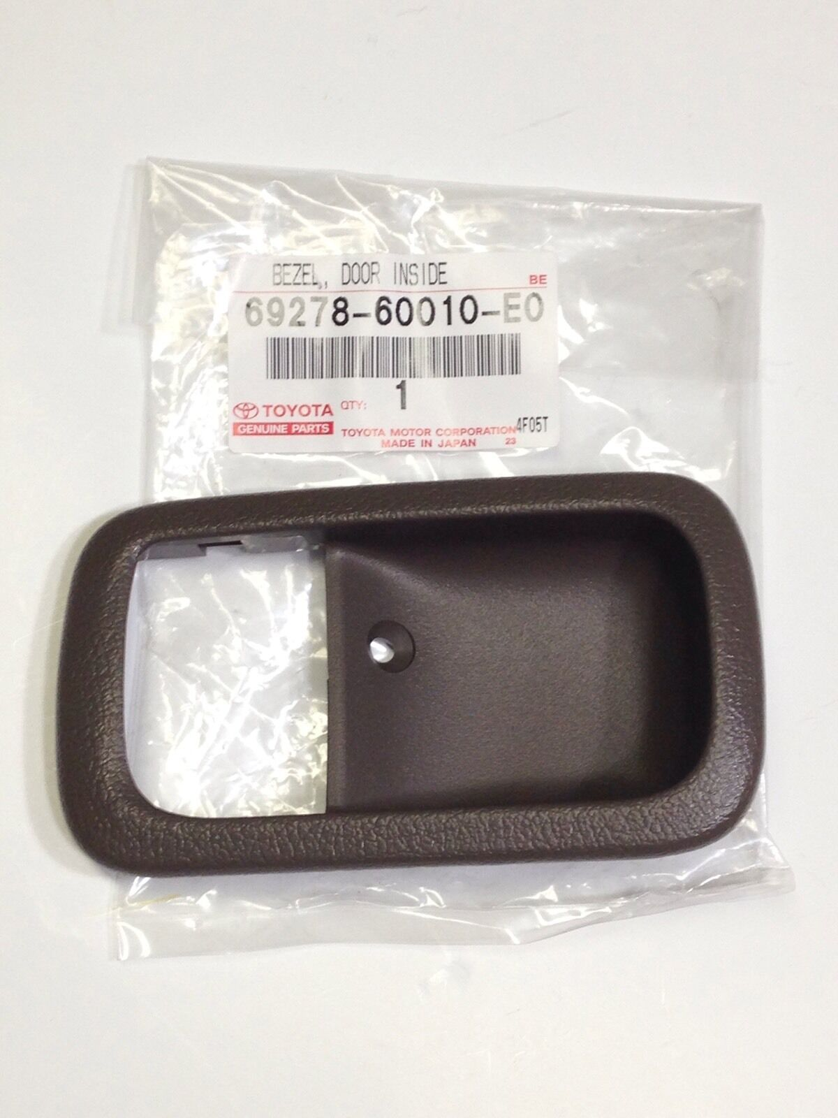Genuine OEM Toyota Land Cruiser 95-97 OAK Inner door handle trim bezel RIGHT