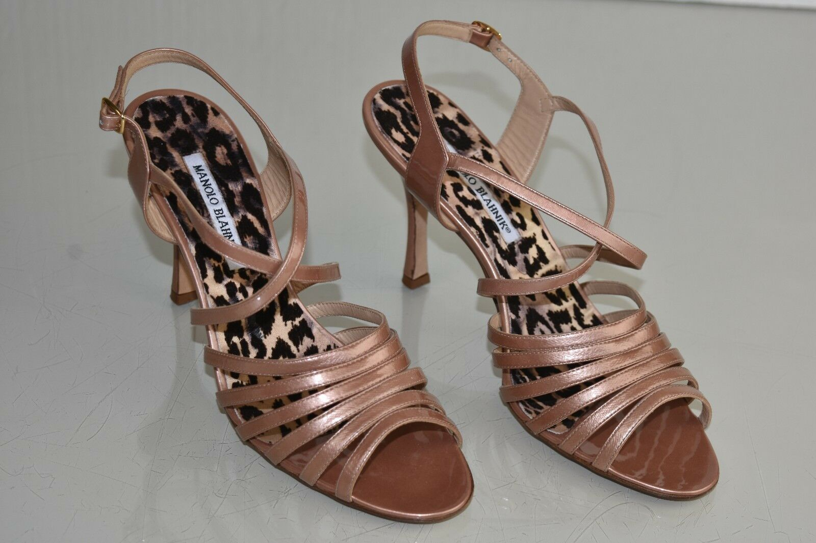 775 775 775 New MANOLO BLAHNIK LEOPARD pearly beige nude patent SANDALS SHOES 40.5 41031e