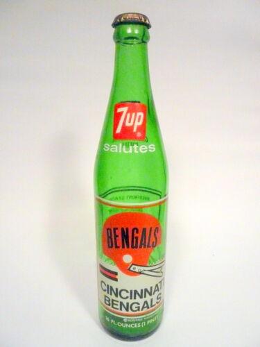 7-UP salutes CINCINNATE BENGALS vintage ACL Soda Bottle 16 oz VINTAGE ACL