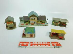 BE921-1-5x-Faller-H0-Modelle-Bahnhof-1021149-Wartestellen-156-91-Kiosk-212
