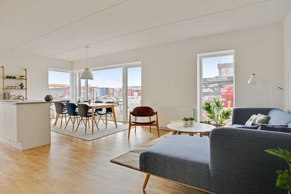9200 vær. 3 lejlighed, m2 91, Poul Anker Bechs Vej