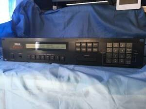 YAMAHA TX802 Synthesizer Tastatur Klassischer Junk Schwarz