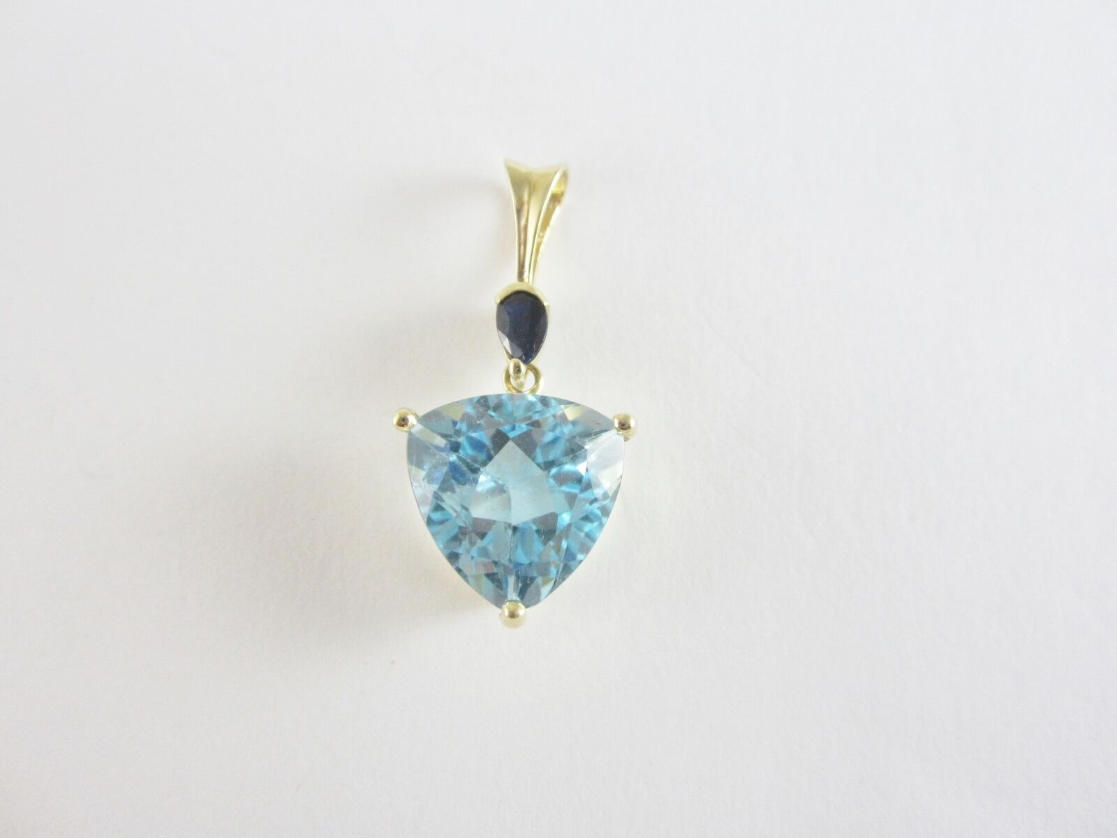 BEAUTIFUL LADIES 14K YELLOW gold TRILLION CUT blueE TOPAZ & SAPPHIRE PENDANT 2.8G