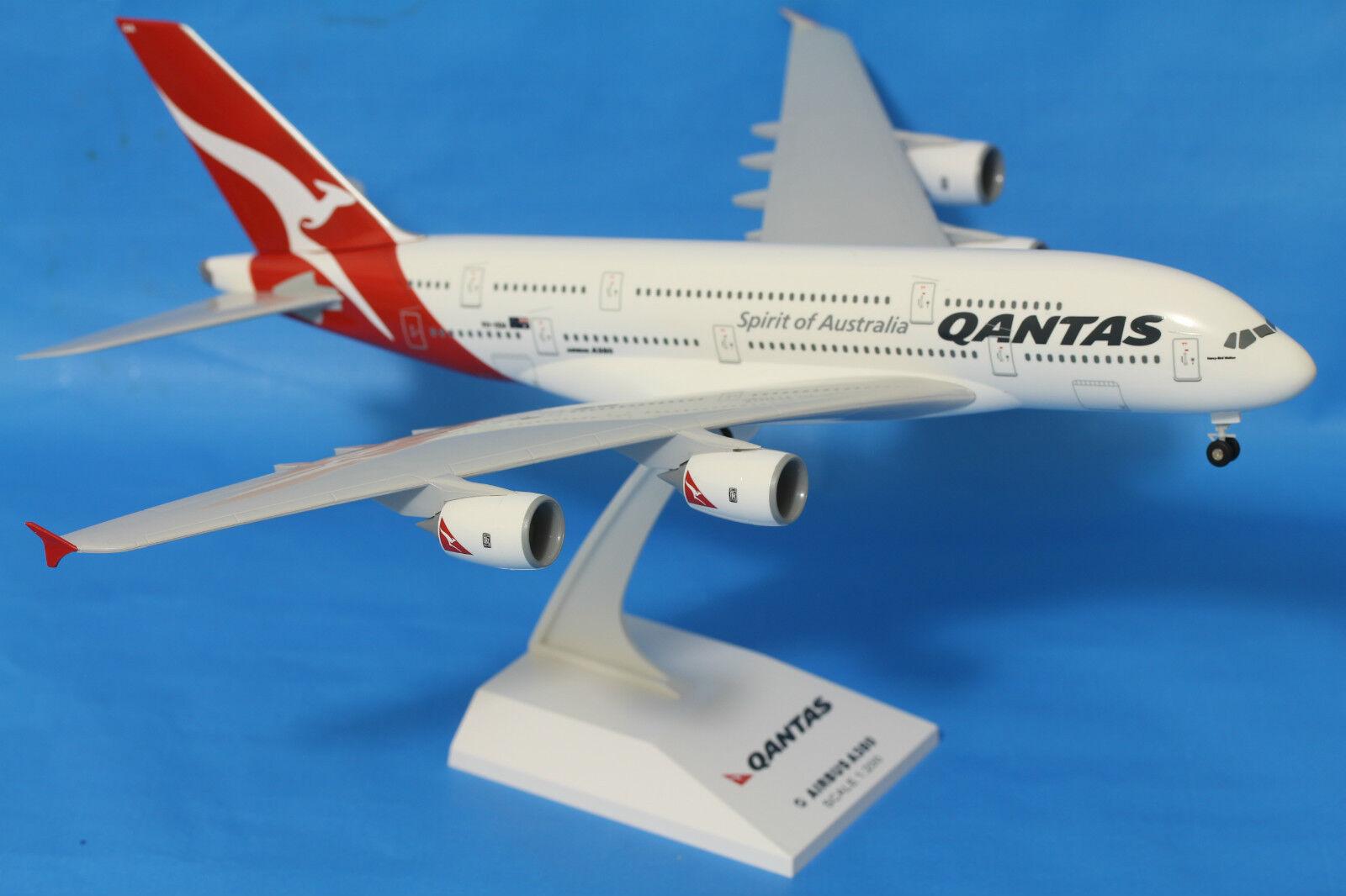 Genuine Qantas Qantas Qantas Airbus A380 Plane Solid Resin  1:200 SkyMarks 34cm Long VH-OQA 2c870e