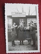Foto Soldaten am Kaffeehaus Waldschänke Bismarckhütte Heinrich Tepe  2.WK