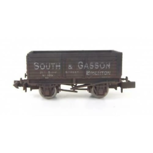 Gaugemaster-GM2410102-N-Gauge-7-Plank-Wagon-South-amp-Gasson-105-Weathered