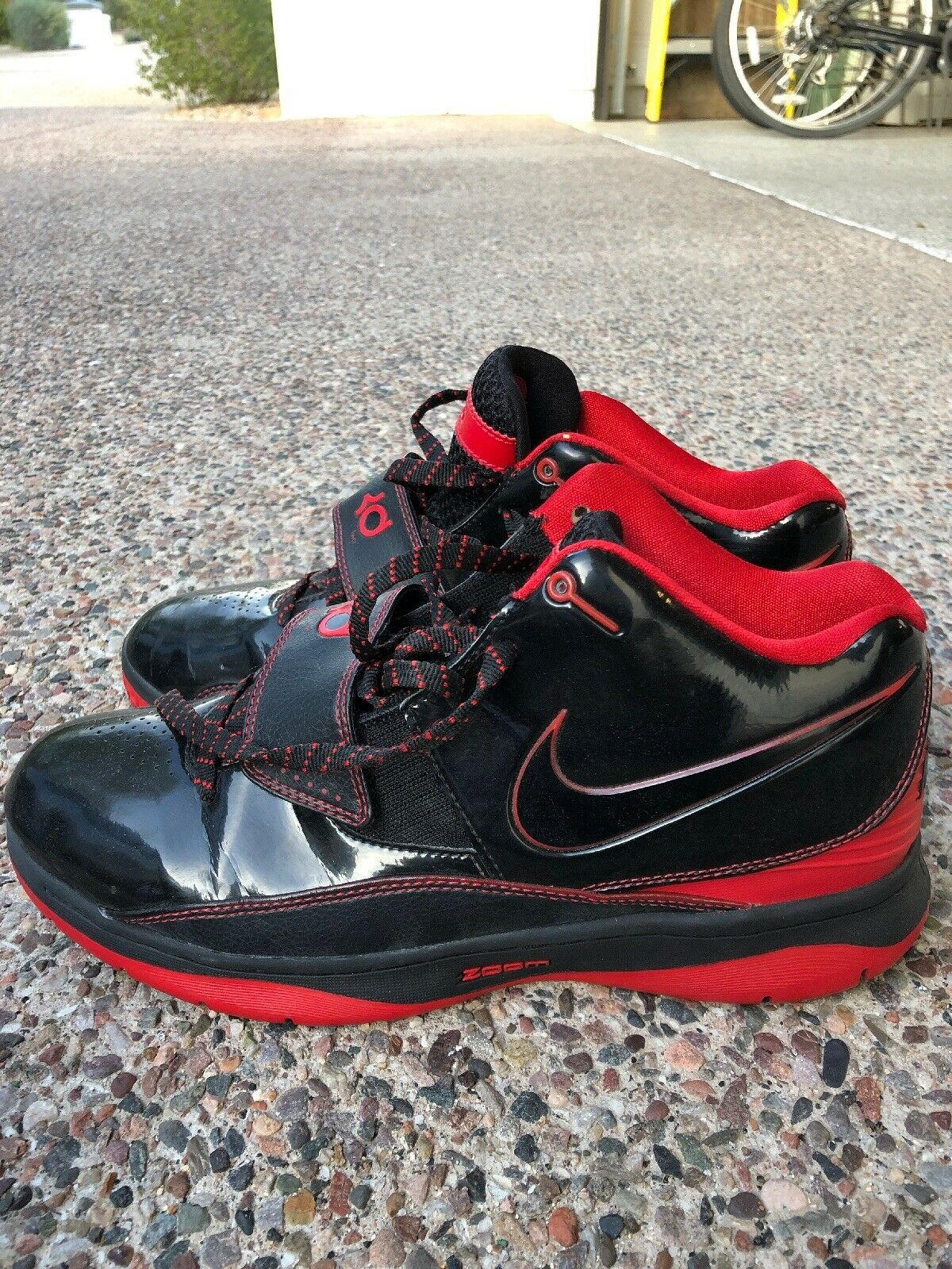 Nike Zoom KD 2 II Black Varsity Red Mens Size 10.5  2010 Kevin Durant 386423-001