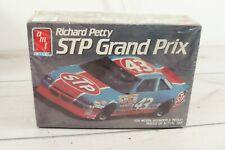 AMT ERTL Model Kit Richard Petty STP Grand Prix NASCAR Race Car 1 25