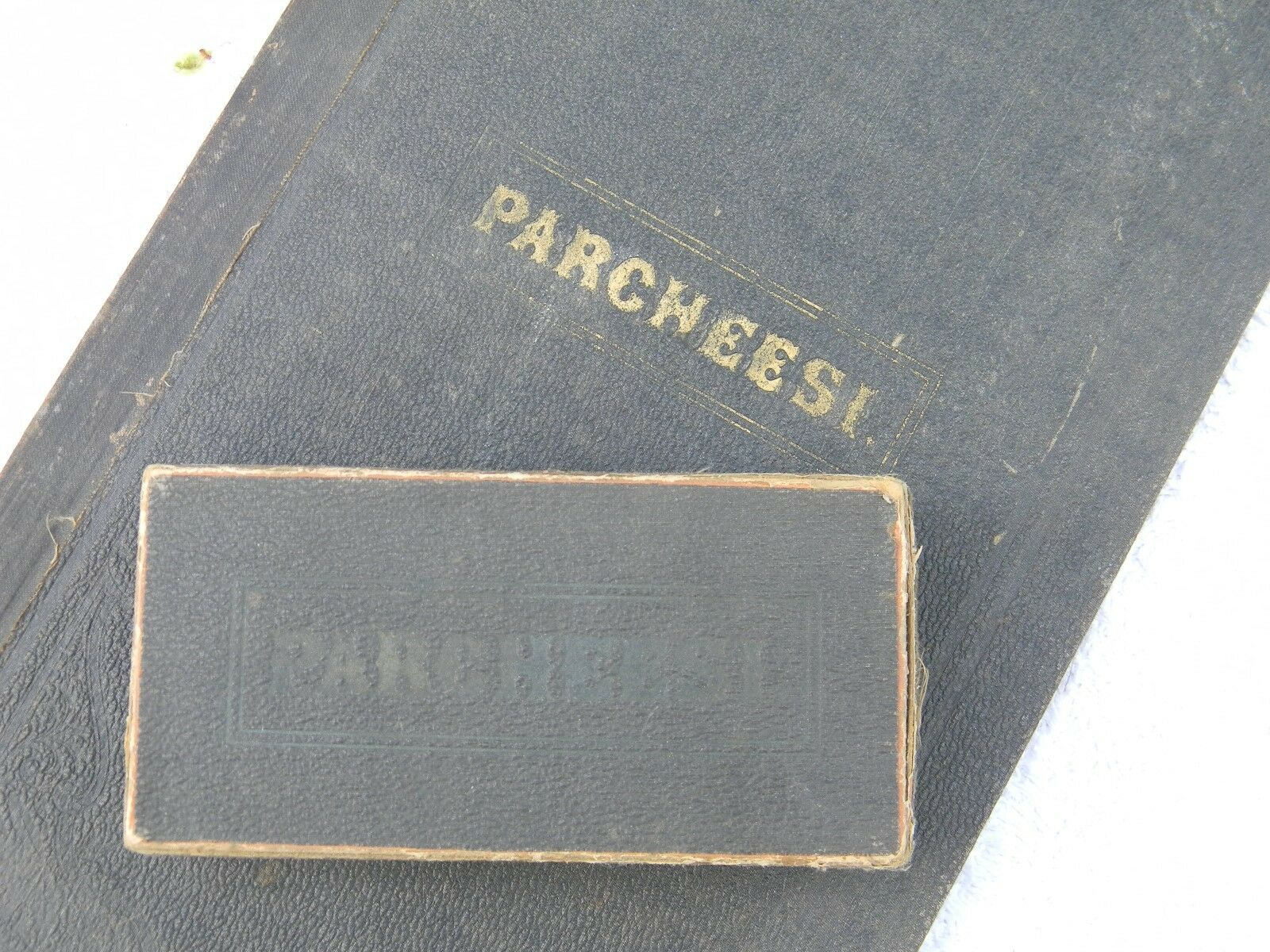 EXTREMELY EXTREMELY EXTREMELY RARE    PARCHEESI GAME BOARD,  1869 1874 first edition. Full Set 63ee96