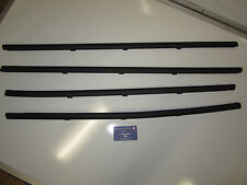 Genuine Holden commodore VT VX VY VZ SEDAN Door Window Belt Mould Trim SET NEW