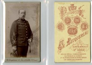 C. Becquereau, Un Militaire Pose Cdv Vintage Albumen Carte De Visite, Tirage Facile Et Simple à Manipuler