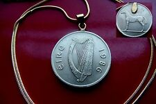 """1986 IRELAND Gaelic Bronze Harp Coin Pendant on a 24"""" Gold Plated Snake Chain"""