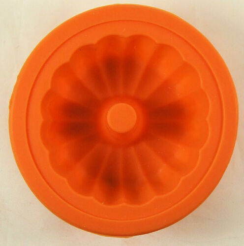 Fluted Bundt Silicone Mold Choose the color you want! NEW