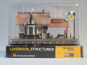WOODLAND-SCENICS-HO-SCALE-THE-DEPOT-BUILT-amp-READY-gauge-train-building-WDS5052