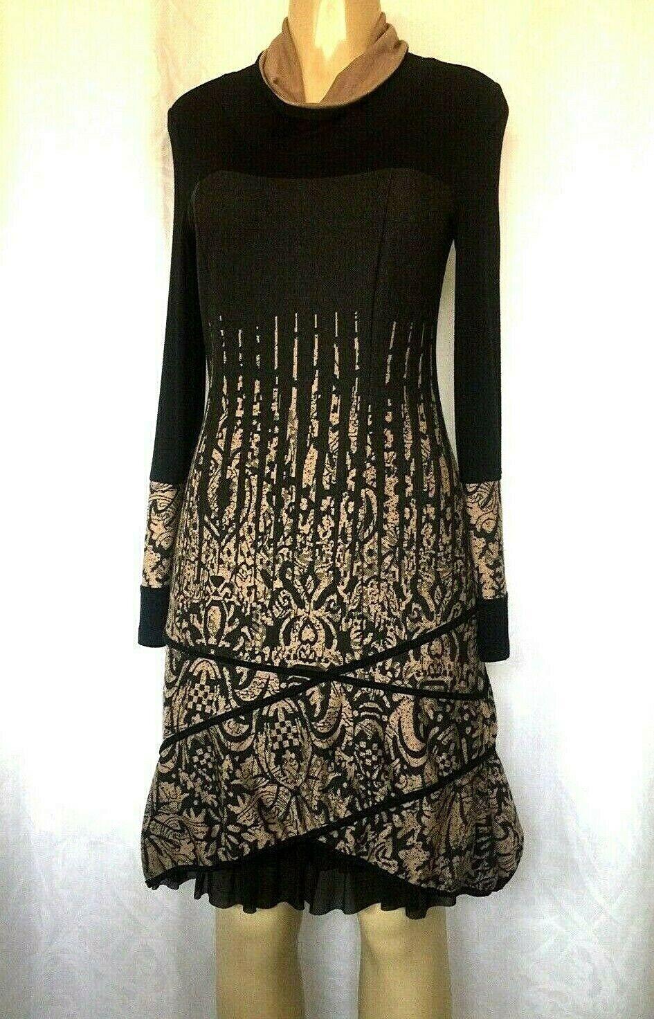 C'FAIT POUR VOUS Paris Knit Dress schwarz Tan braun Long Sleeve Draped Neck Ruffle