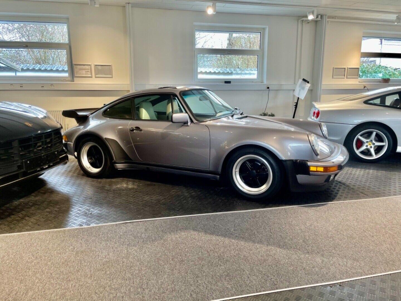Porsche – 911