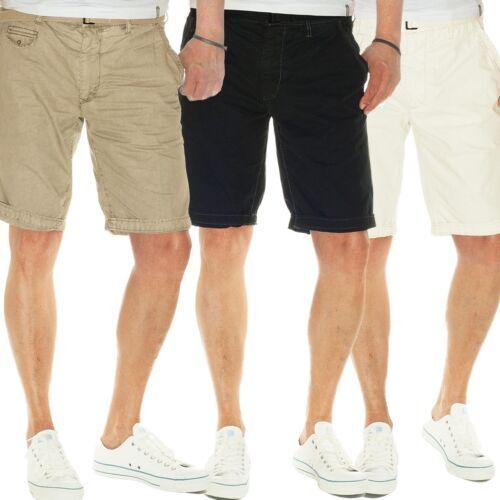 JET LAG Chino Shorts Take off 6 mit Gürtel in black vintage khaki white sand