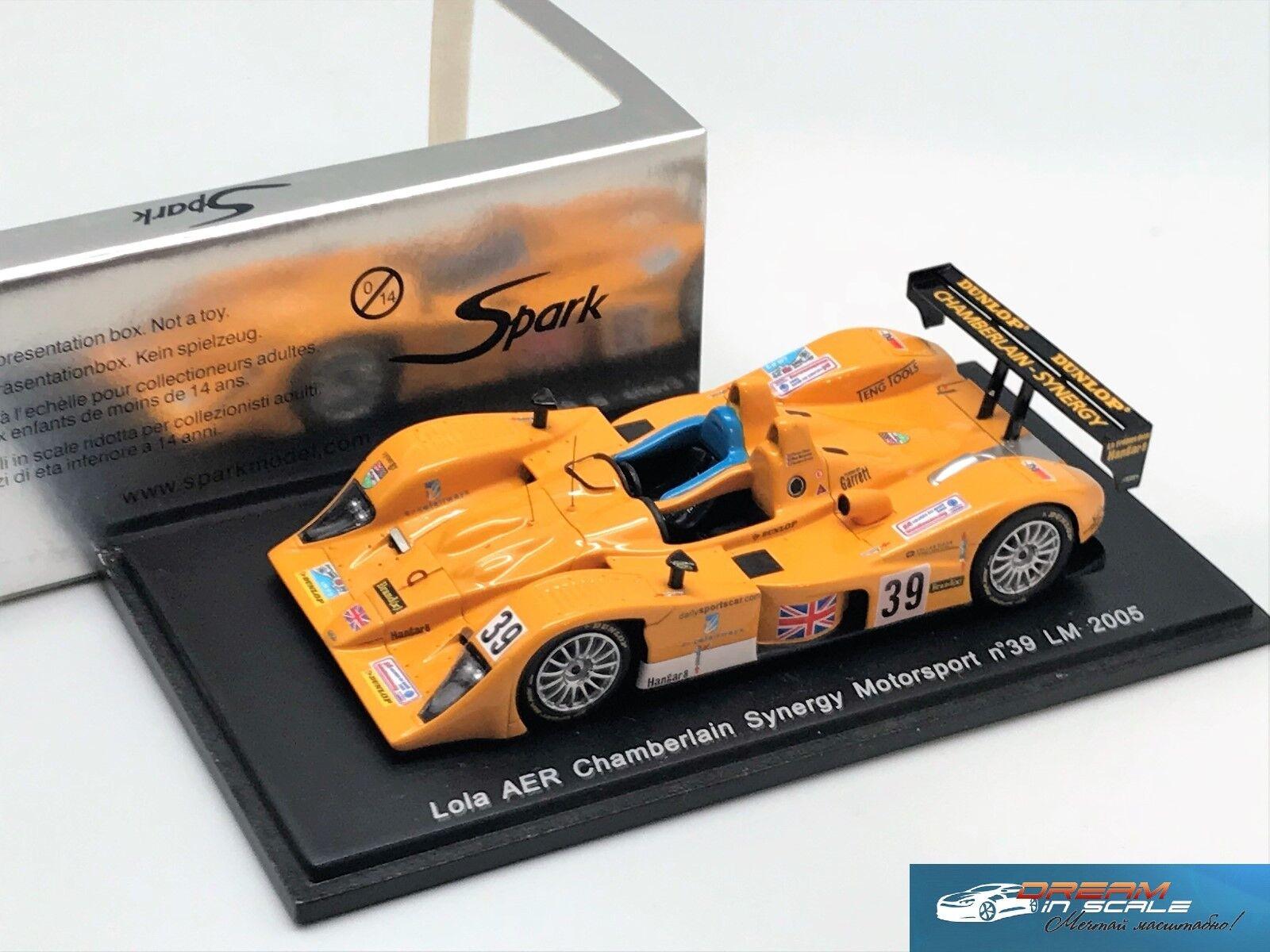 Lola AER  39 Le Mans 2005 Evans-Berridge-Owen Spark Resina S0034 1 43