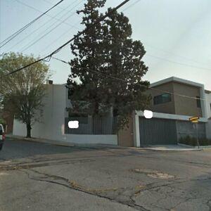 Casa en venta, Contry la silla, 351 m2 terreno y 465m2 construcción