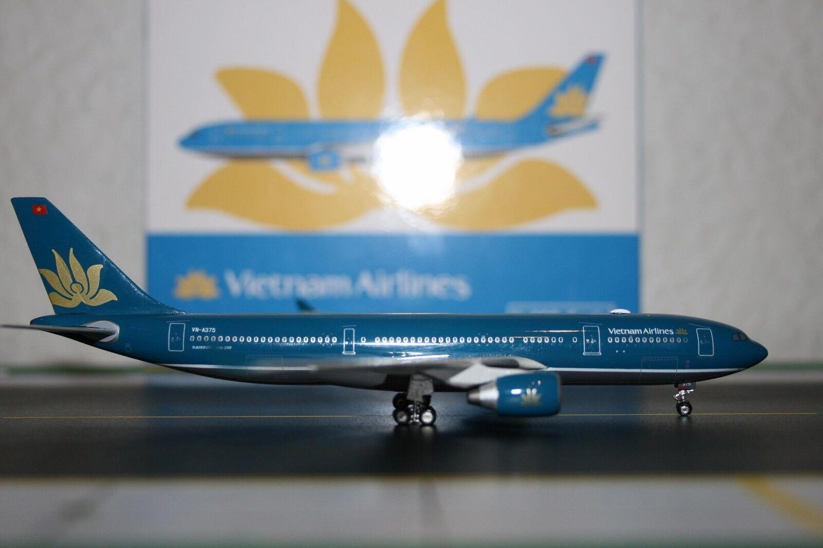 Phoenix 1 400 Vietnam Airlines Airbus A330-200 VN-A375 (PH4HVN594) Model Plane