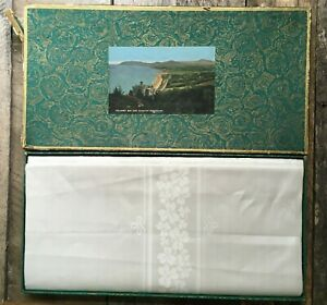 Vintage-Irish-Linen-Double-Damask-Tablecloth-Celtic-Wolfhounds-Landmarks-54x72
