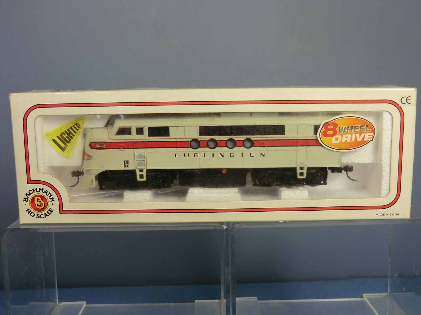 BACHMANN MODEL WITH LIGHTS No.11704 FT-A UNIT DIESEL No.3008  BURLINGTON  VN MIB