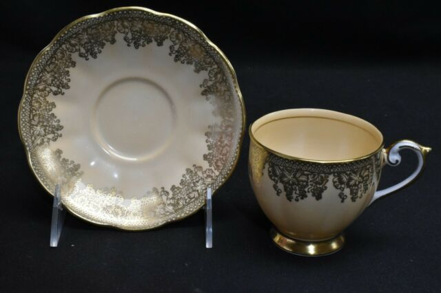 Queen Anne 4361 Gold Leaf Design On Cream Peach Cup & Saucer