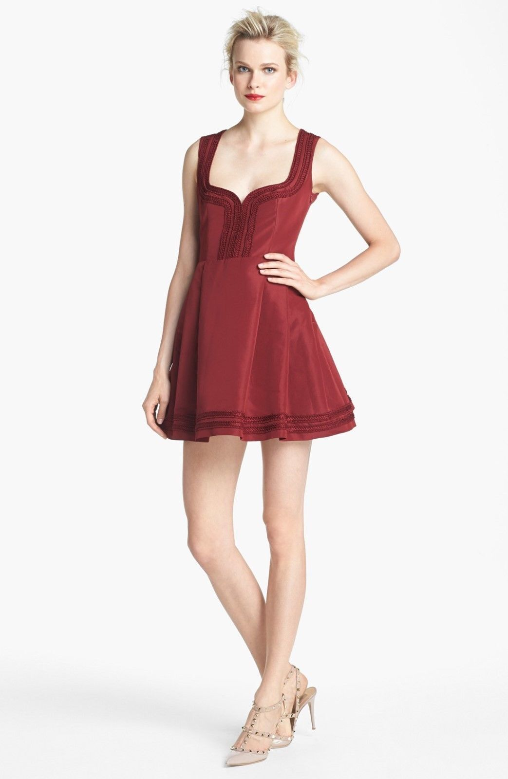 NWT rot VALENTINO ruby embroiderot sweetheart dress Größe IT 46 US 8