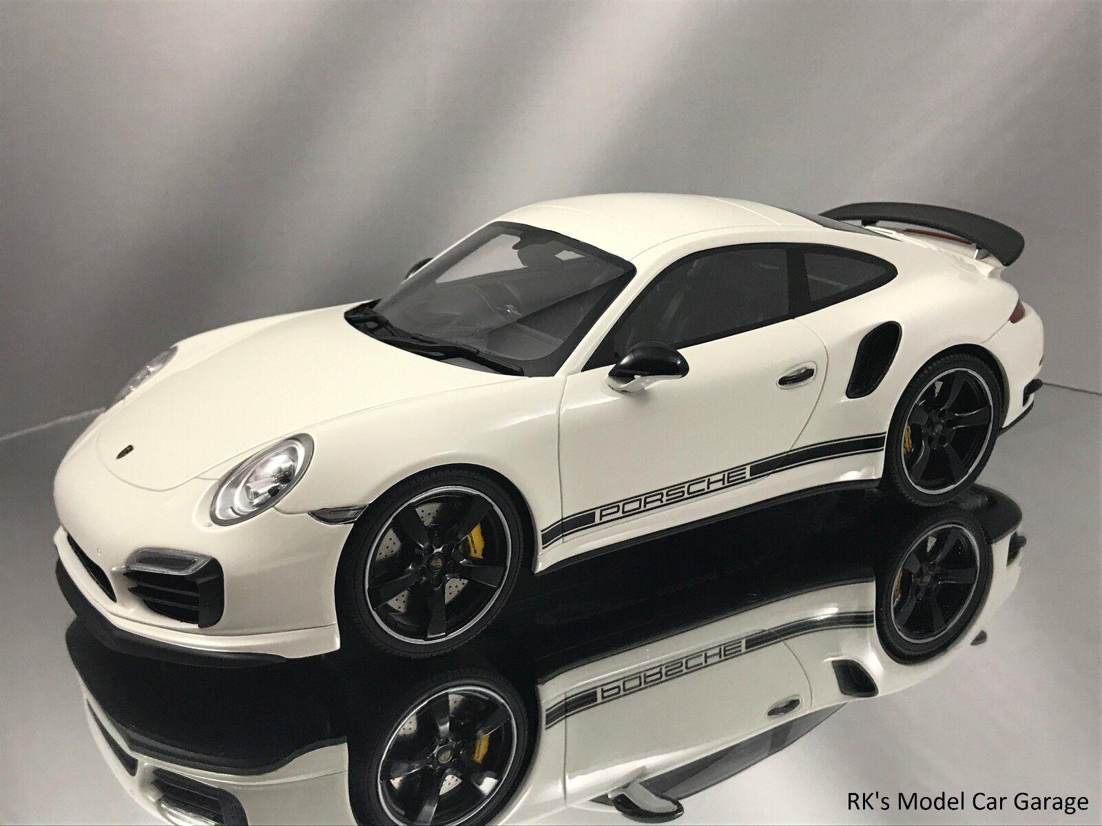 GT anda Porsche 911 991 Turbos Exclusive GB Edition Disspela Case vit 1 18
