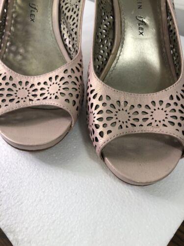 Anne Klein Ladies 9.5 Pastel Pink Heel Shoe Classy