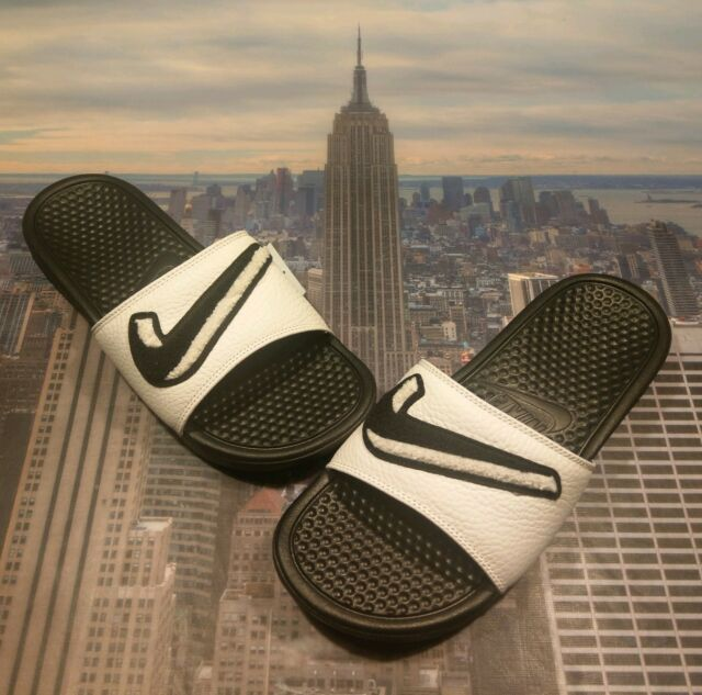 new arrival 6c846 f2c6f Nike Benassi JDI Chenille Slide Sandal Black Summit White Size 9 AO2805 001  New