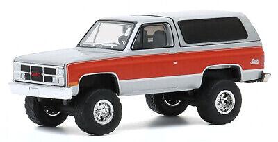 1984 GMC JIMMY SIERRA CLASSIC LIFTED SILVER 1//64 DIECAST CAR GREENLIGHT 35170 D