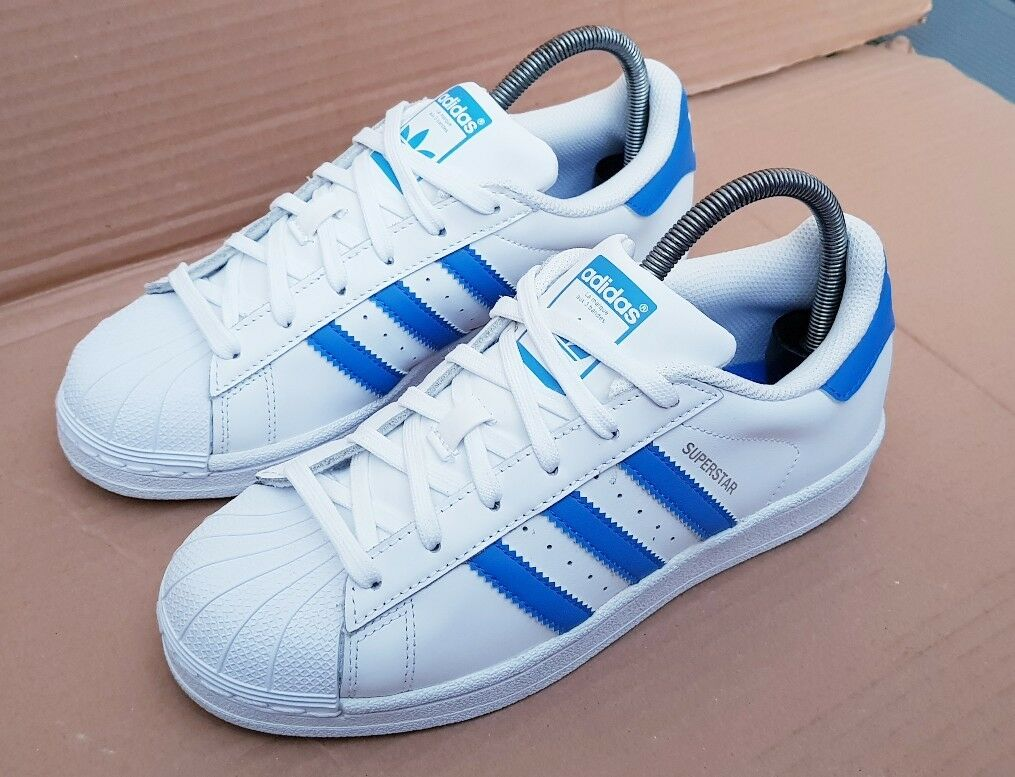 ADIDAS TRAINERS SUPERSTAR ORIGINALS Blau & Weiß SHELL TOE TRAINERS ADIDAS SIZE 5 UK EXCELLENT afa754