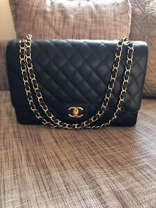 e39ae33231e Image is loading CHANEL-Maxi-Classic-handbag-Grained-Calfskin-and-Gold-