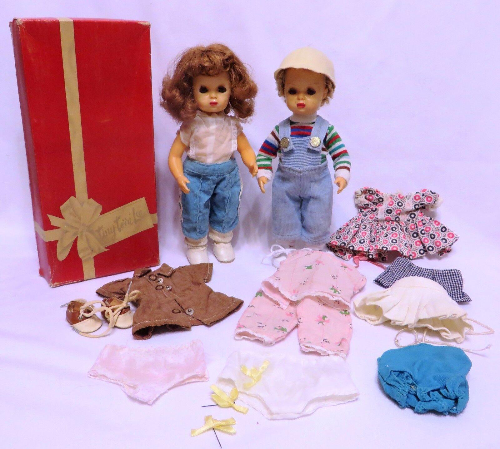 Jahr TINY TERRI LEE & JERRI LEE Masse Dolls, Original Box, Tagged Outfits, More