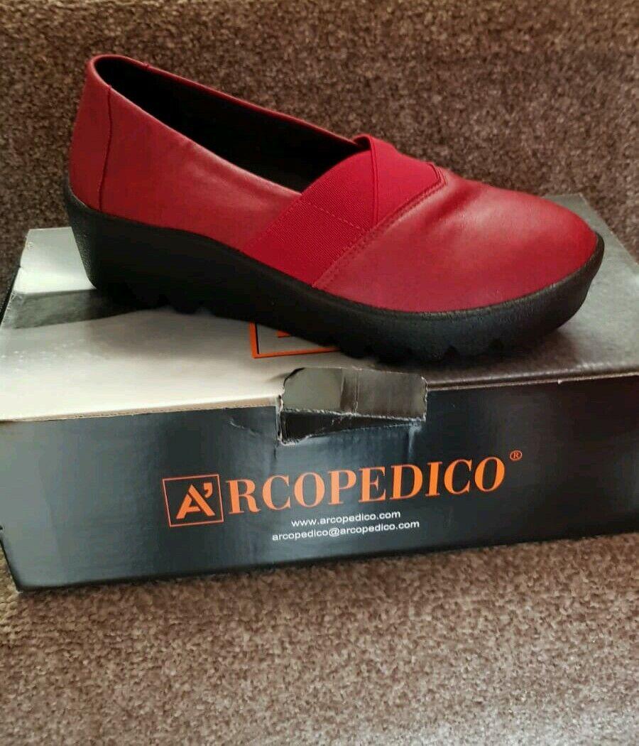 Arcopedico ComfortOrthopaedic shoes - LINA model in Cherry - Size 38EU-5UK