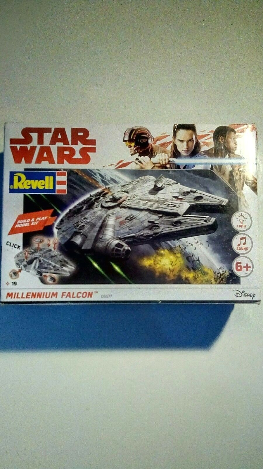 Revell Millennium Falcon 06577 Snap-Fit Model with light & sound