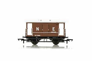 Hornby-R6833A-OO-Gauge-LNER-20t-Toad-B-Brake-Van-140526