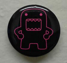 "Hip Holding Hot Pink Outline Domo kun 1.25"" Button Pin ~ Officially Licensed"