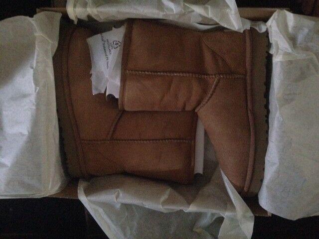 authentisch BRANDNEU IN BOX UGG STIEFEL UGG Australia Classic Short Boot tan Größe 6